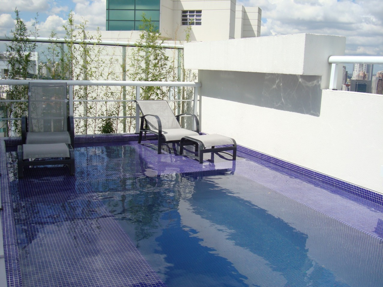 Obra residencial Real Parque III - Piscina