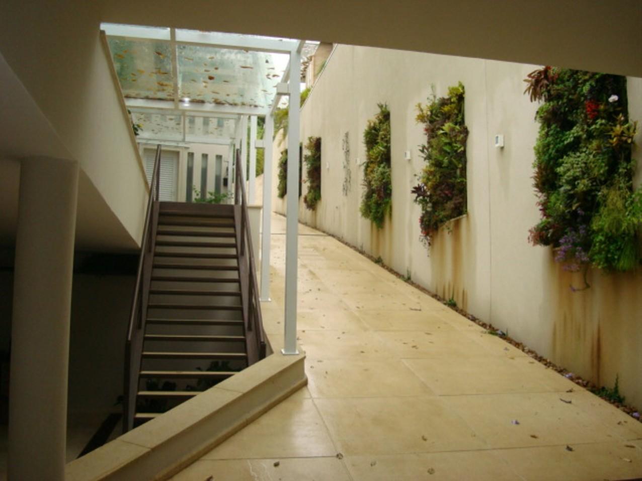 Obra residencial Alphaville - Corredor interno