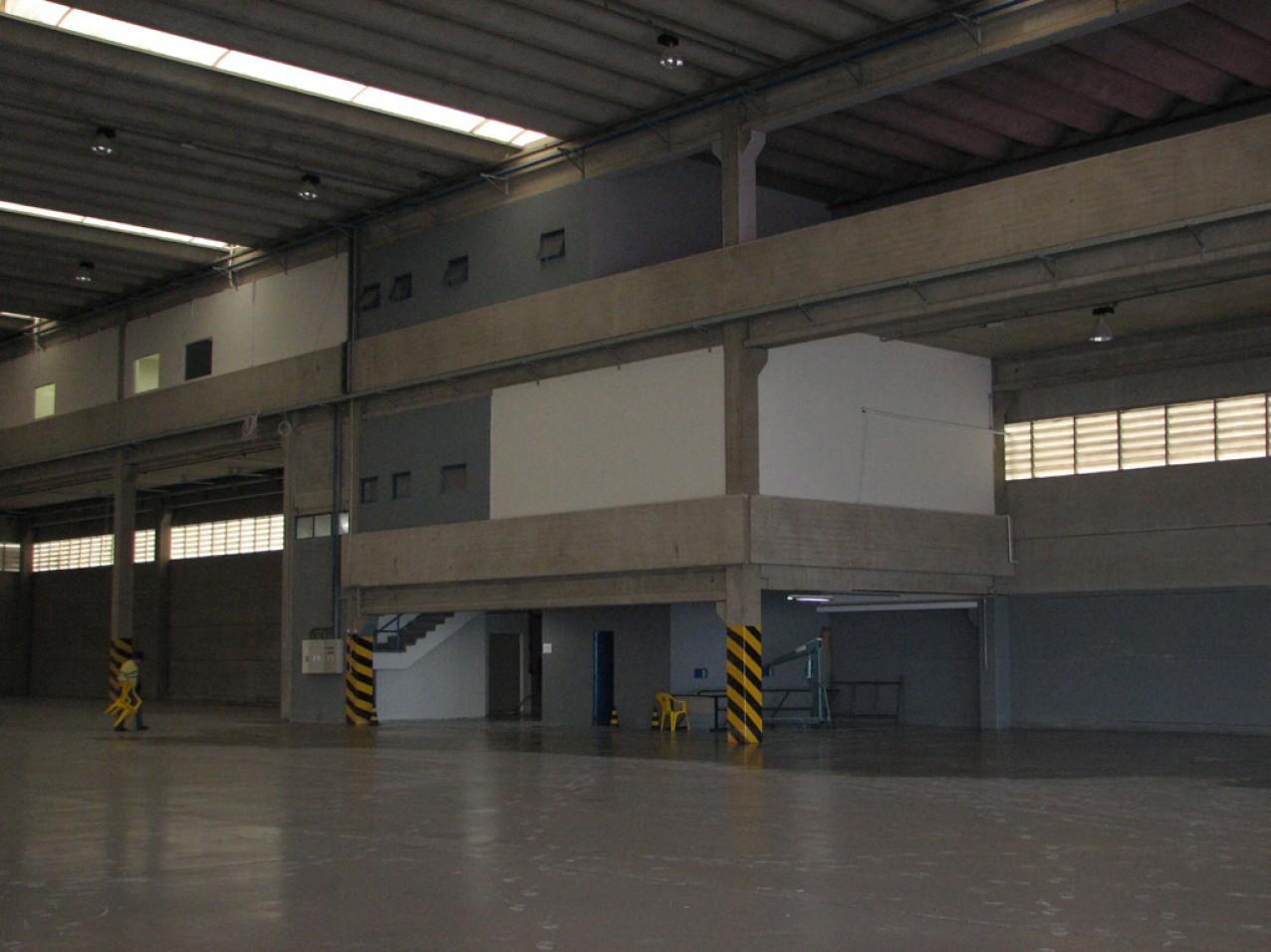 Obra industrial Alestis Aerospace - Fabrica de montagem